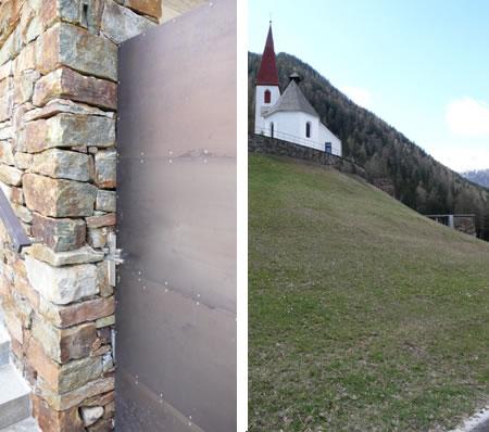 Църквата и входът на гробището в St. Gertraud
