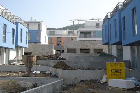 Новостроящ се жилищен комплекс край София