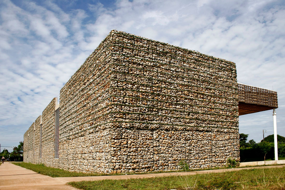 Stone facades by what association - Material de construccion ...